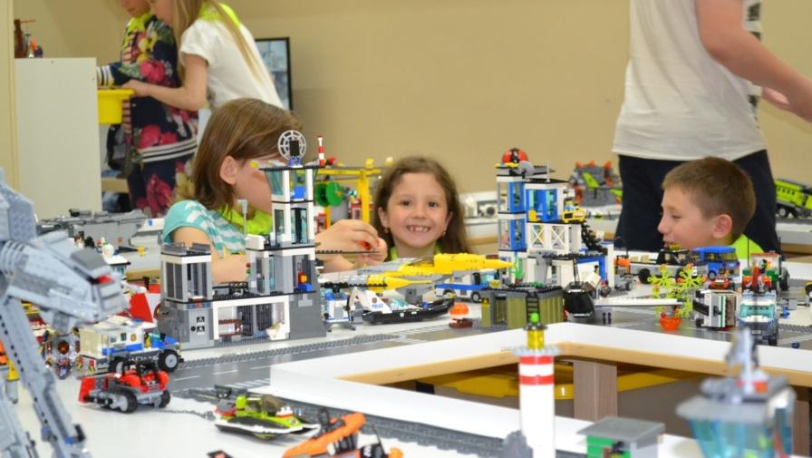 Приглашаем в ЧУДО-детскую комнату LEGO мир!