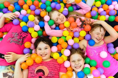 Радио «Дача»приглашает детей и их родителей на праздник8 июня!